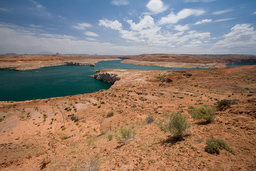 USA_10076_Lake_Powell_Luca_Galuzzi_2007.jpg