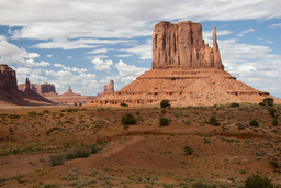 USA_10263_Monument_Valley_Luca_Galuzzi_2007.jpg