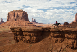 USA_10279_Monument_Valley_Luca_Galuzzi_2007.jpg
